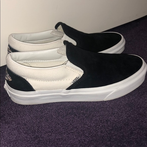 fb3fab6118 VANS suede canvas native embroidered slip ons. M 5b909bea7ee9e2ea29d0d120